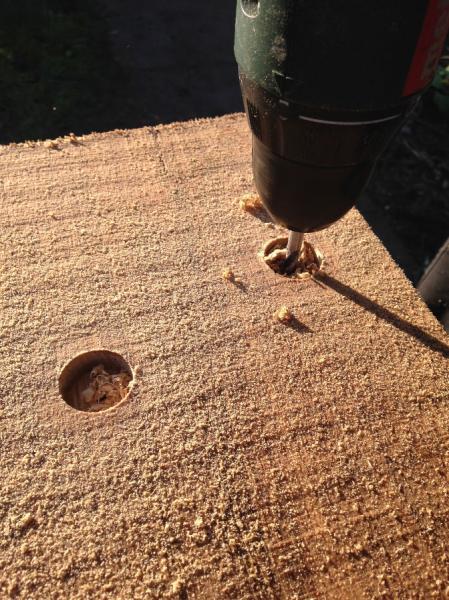Pergola van eikenhout wordt gemaakt